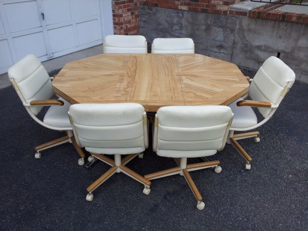 Kitchen Dining Room Set (6 Seater Roller Chairs) - $150 ...