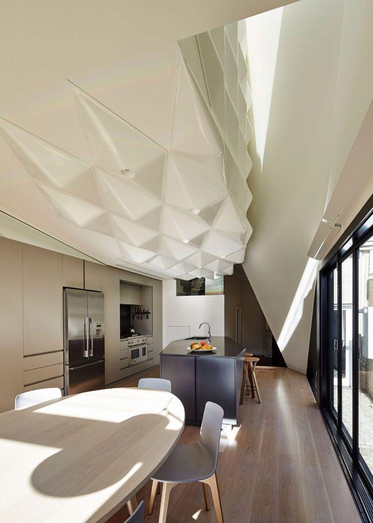 Deckengestaltung in Weiß als Avantgarde Kunstwerk | Einrichtung ...