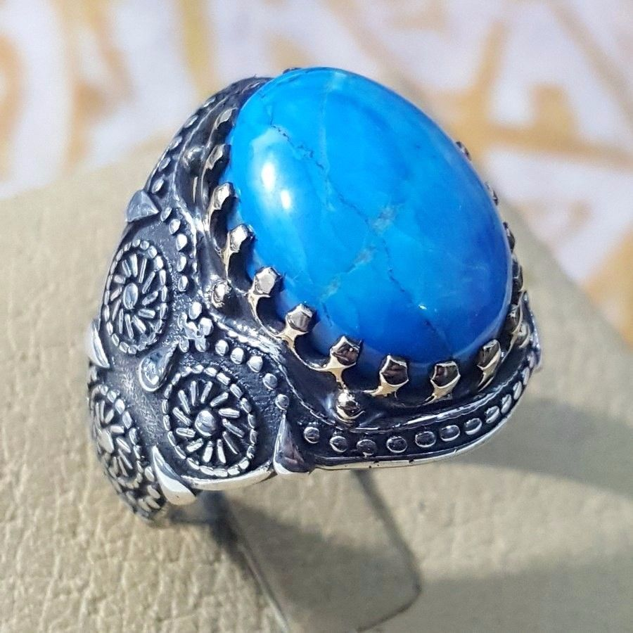 Sterling Silver Ring with Beautiful Blue Sapphire and two Akoya Pearls Size 9.25