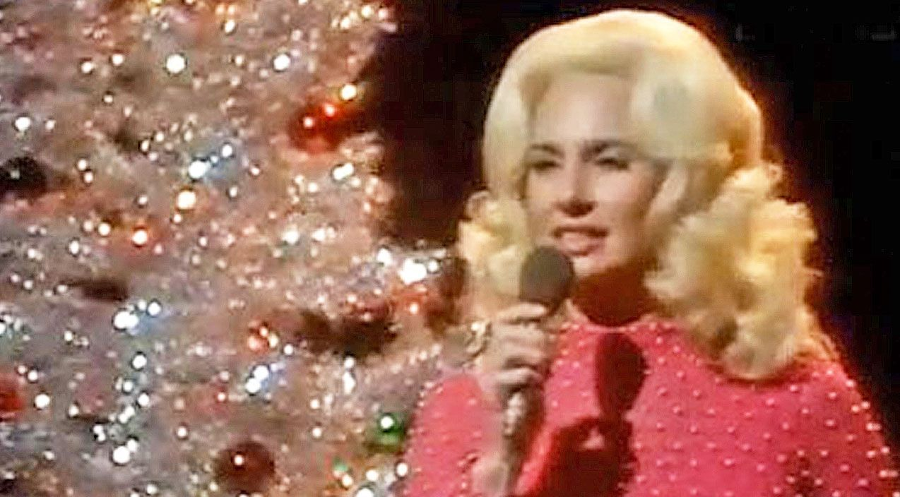 Tammy Wynette's Hauntingly Beautiful Version Of 'Blue Christmas ...