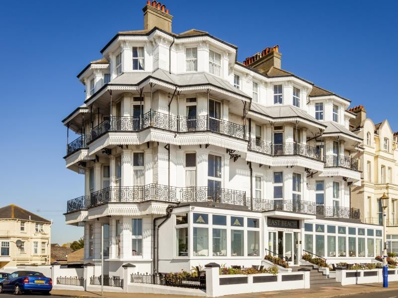 Eastbourne East Beach Hotel United Kingdom, Europe Ideally located in the prime touristic area of Devonshire, East Beach Hotel promises a relaxing and wonderful visit. Both business travelers and tourists can enjoy the hotel's facilities and services. All the necessary facilities, including luggage storage, Wi-Fi in public areas, family room, restaurant, elevator, are at hand. Each guestroom is elegantly furnished and equipped with handy amenities. Enjoy the hotel's recreation...