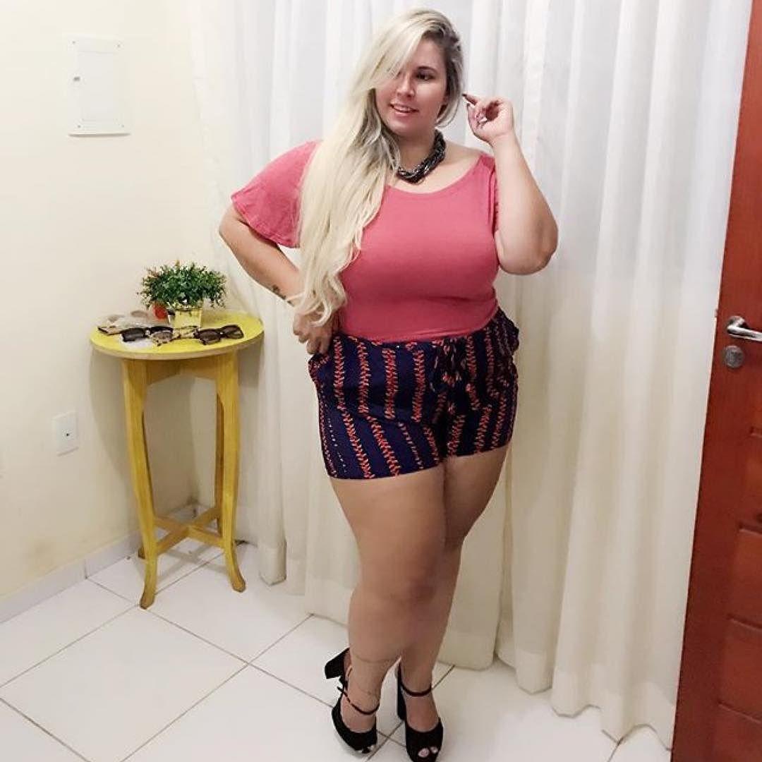 Sou do Brasil , acho o de Portugal super charmoso , mas amo nosso sotaque