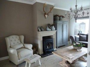 Op de muren truffle en op de kast dawn van painting the past huiskamer pinterest paints - Kleur die past bij de grijze ...