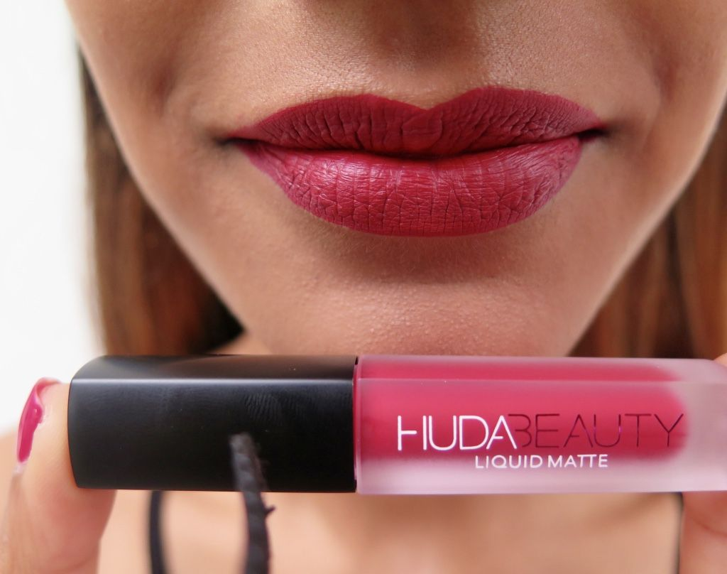 Huda Beauty Liquid Matte Mini In Heartbreaker Make Up Beauty  ~ Como Quitar Manchas De Pintalabios