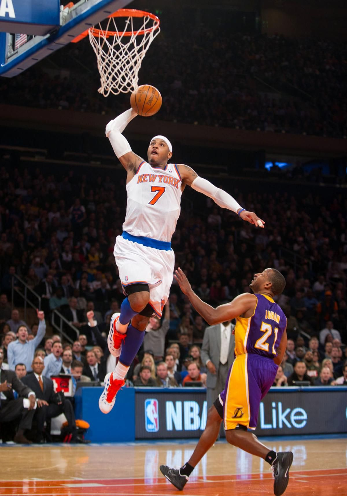 NY Knicks Lose Carmelo Anthony But Beat Former Coach Mike DAntoni