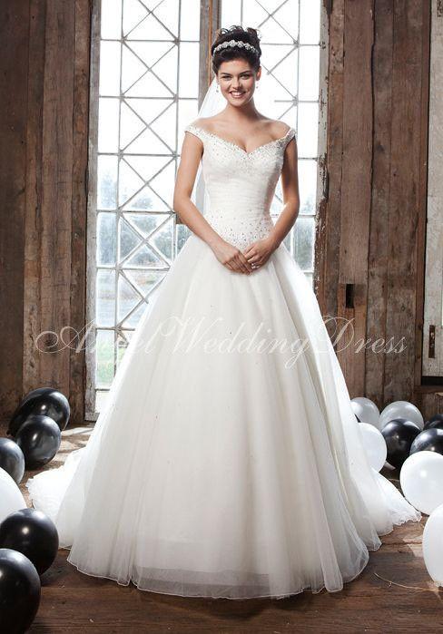 Ball Gown Off the Shoulder Tulle Floor Length Sleeveless Chapel Train Wedding Dress