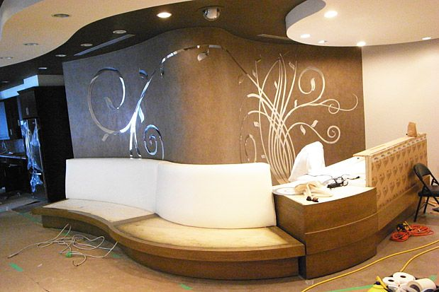 Nail salon interior design decor flowers walls