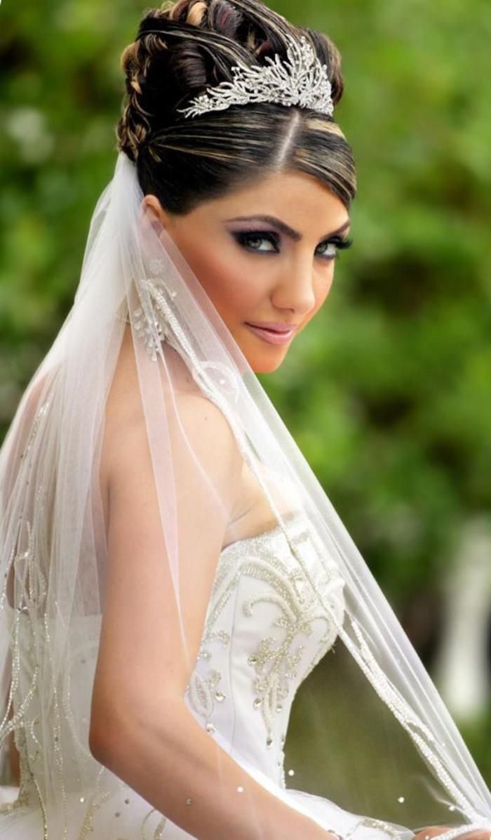 25 dazzling wedding hairstyles for long hair with veil