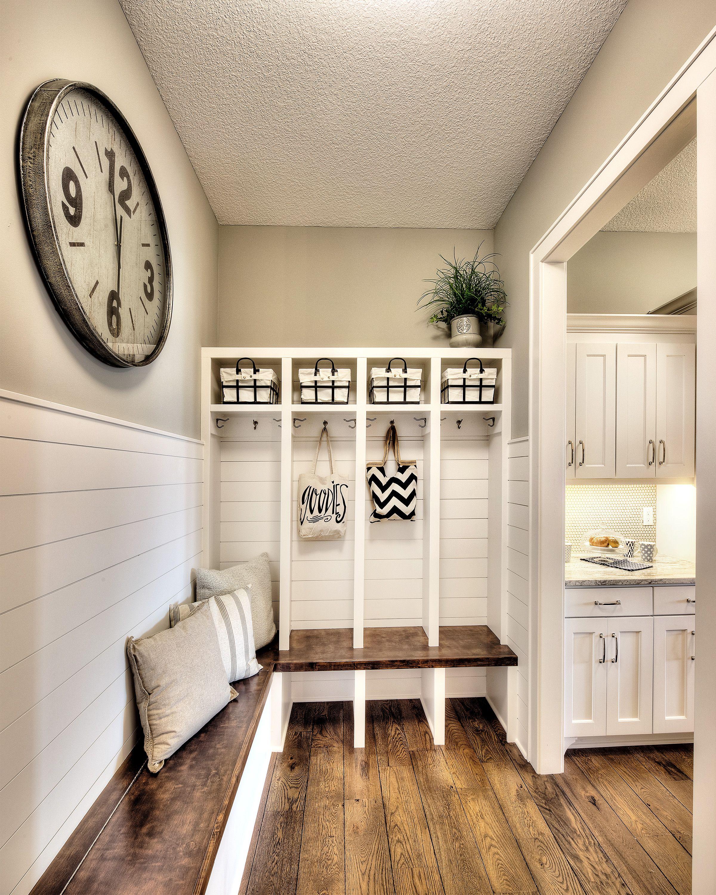 mudroom erin spain tutorial entryway plans bench ideas