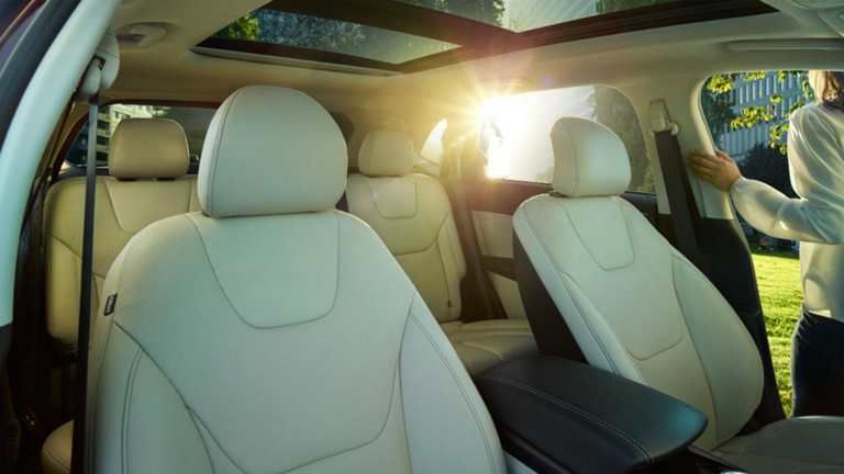Titanium Interior In Ceramic With Perforated Leather Trimmed Seats Of The 2017 Ford Edge Ford Edge Ford Ford Edge Suv