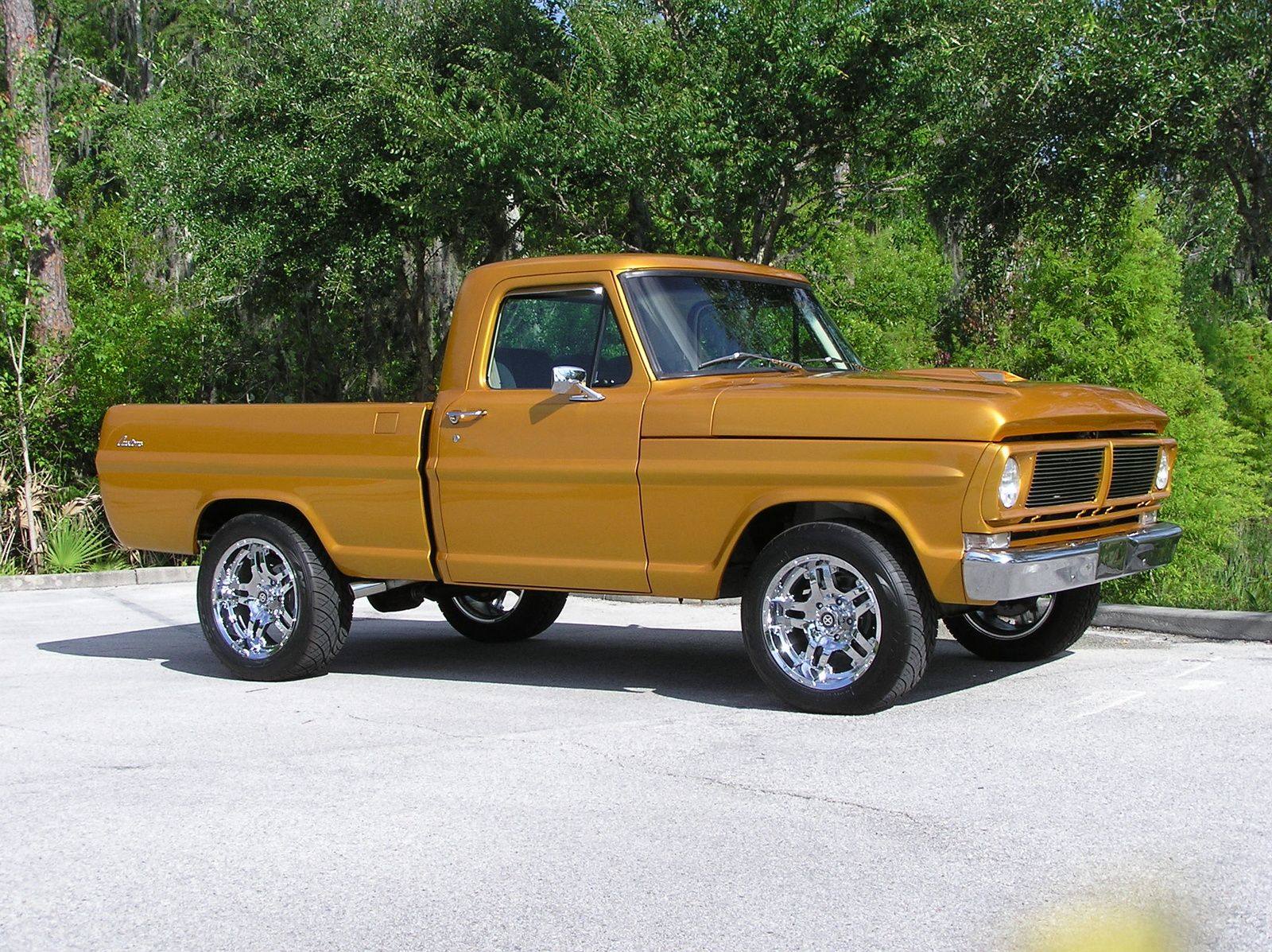 1972 Ford F 100 Pictures Cargurus Ford Pickup Trucks Classic Ford Trucks Old Ford Trucks