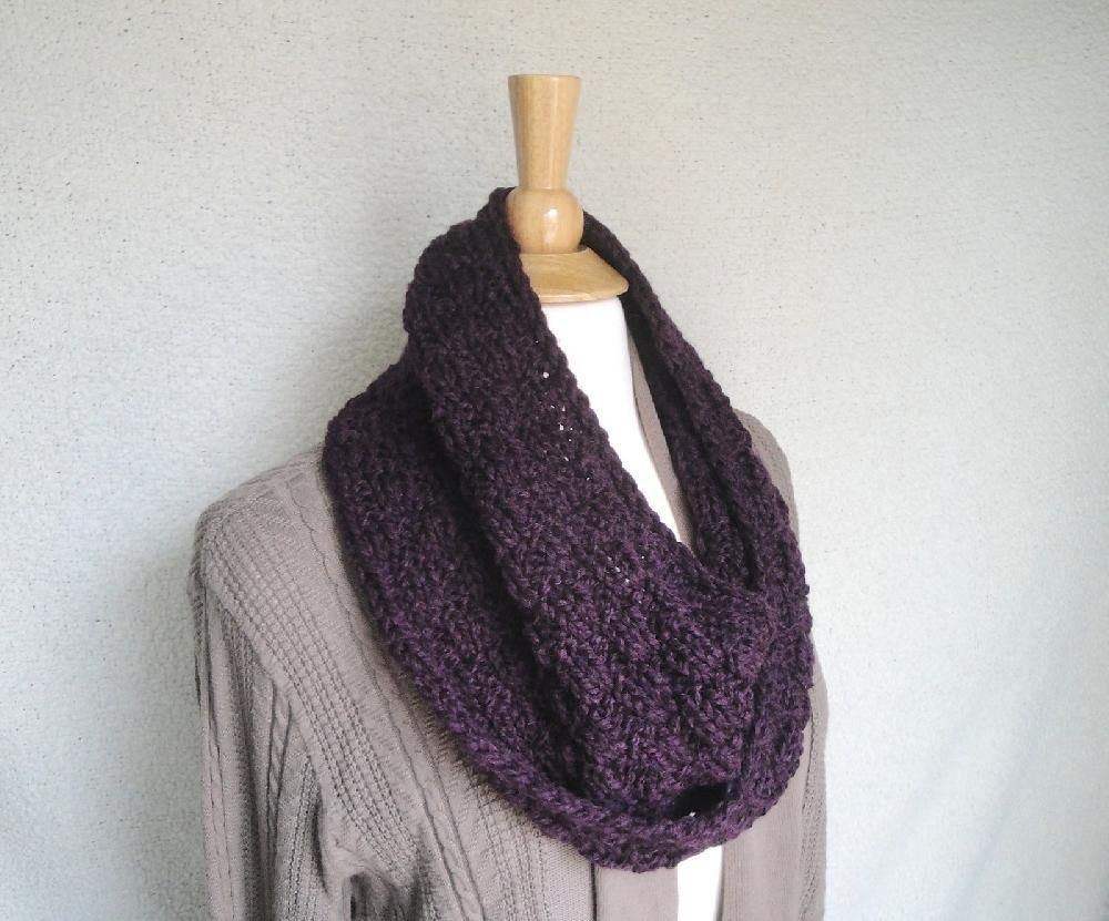 Chunky Mobius Scarf | Chunky yarn, Scarves and Knitting patterns