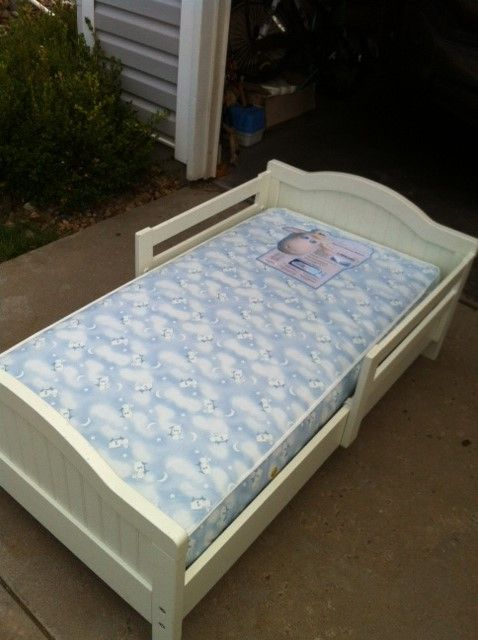 Pottery Barn Kids Bed With Serta Mattress 52 X 28 Good