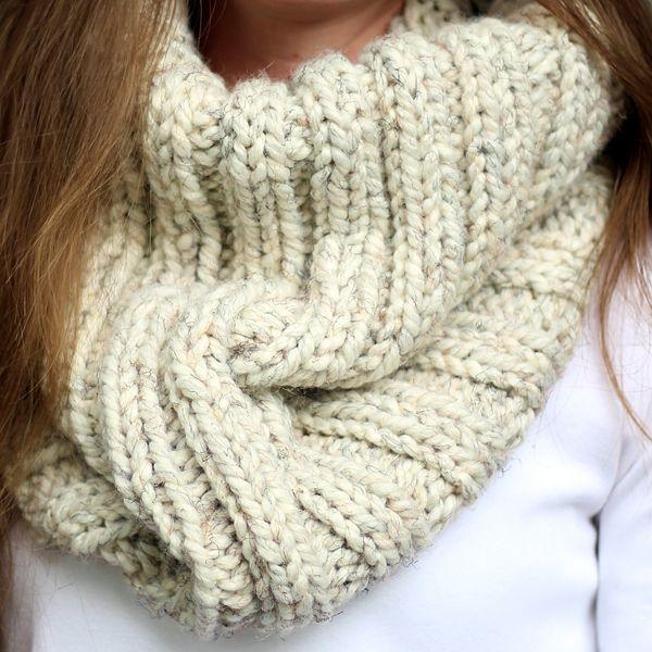 DARING - Women\'s Cowl Knitting Pattern | Increibles ideas ...