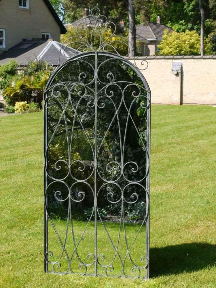 Miroir extérieur pour une déco de jardin extraordinaire Gardens