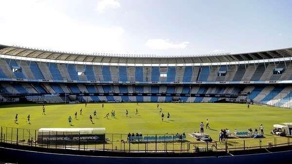 La agenda de amistosos, a la espera de que vuelva el fútbol oficial    En el mejor de los casos, el fútbol argentino volverá el viernes 3 de marzo. Es decir que los equipos todavía deben afrontar tres semanas de est... http://sientemendoza.com/2017/02/13/la-agenda-de-amistosos-a-la-espera-de-que-vuelva-el-futbol-oficial/