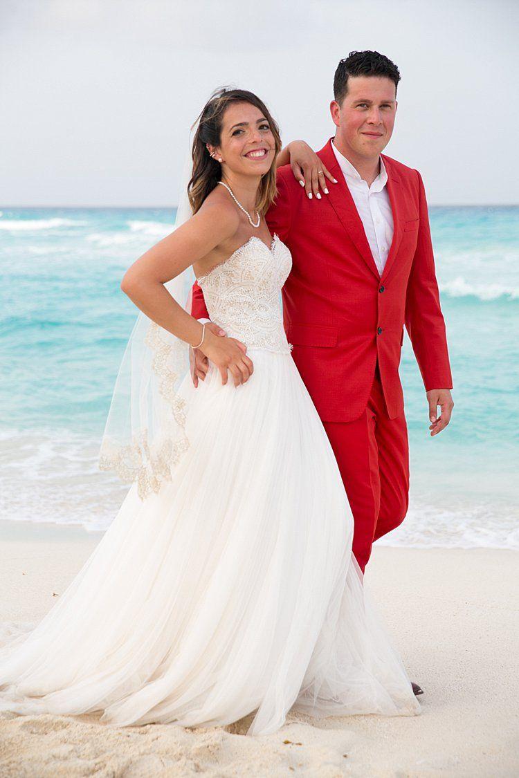 A bhldn bride for an exuberant jewish wedding on the beach