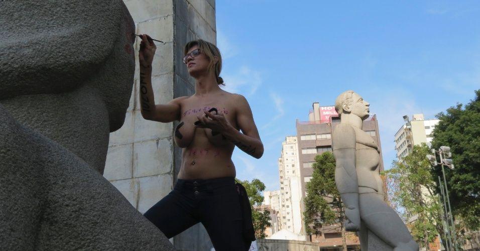 Marcha das Vadias pelo Brasil e pelo mundo - Fotos - UOL Notícias