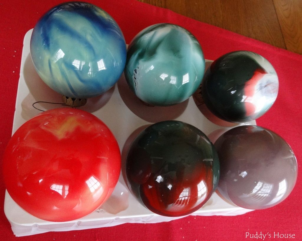 Glue for glass ornaments - Diy Christmas Ornaments Swirled Paint In Glass Balls Pour Craft Glue Inside Ornaments And