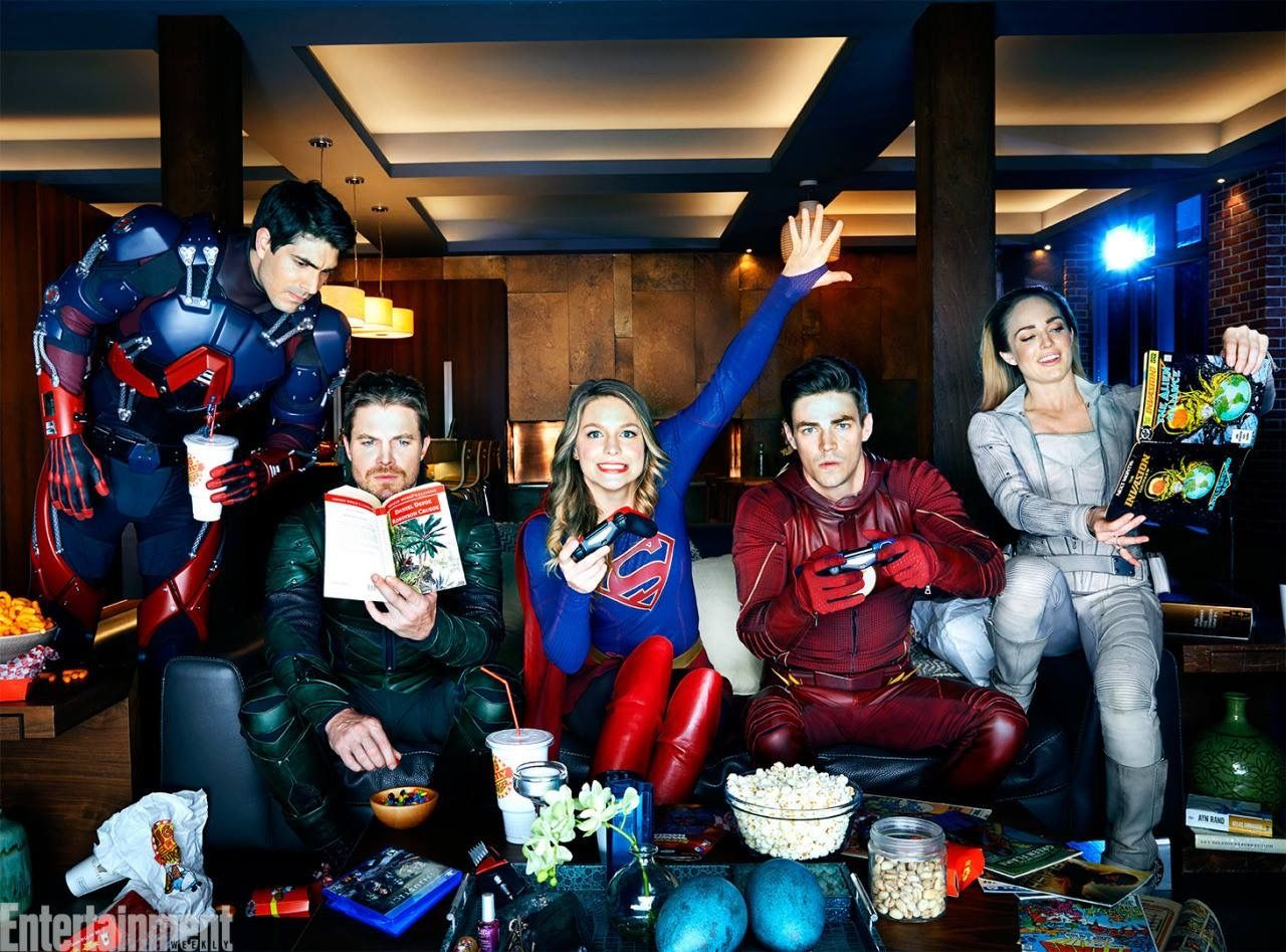 The Atom Green Arrow Supergirl The Flash White Canary Supergirl And Flash Superhero Shows The Flash Grant Gustin
