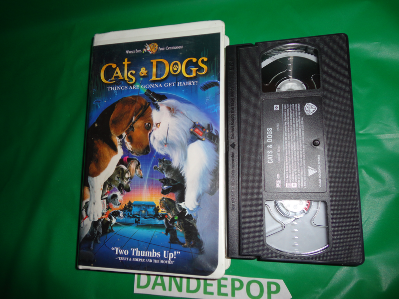 Warner Bros Cats Dogs Vhs Video Movie 2001 Find Me At Www Dandeepop Com Cats Warner Bros Dogs