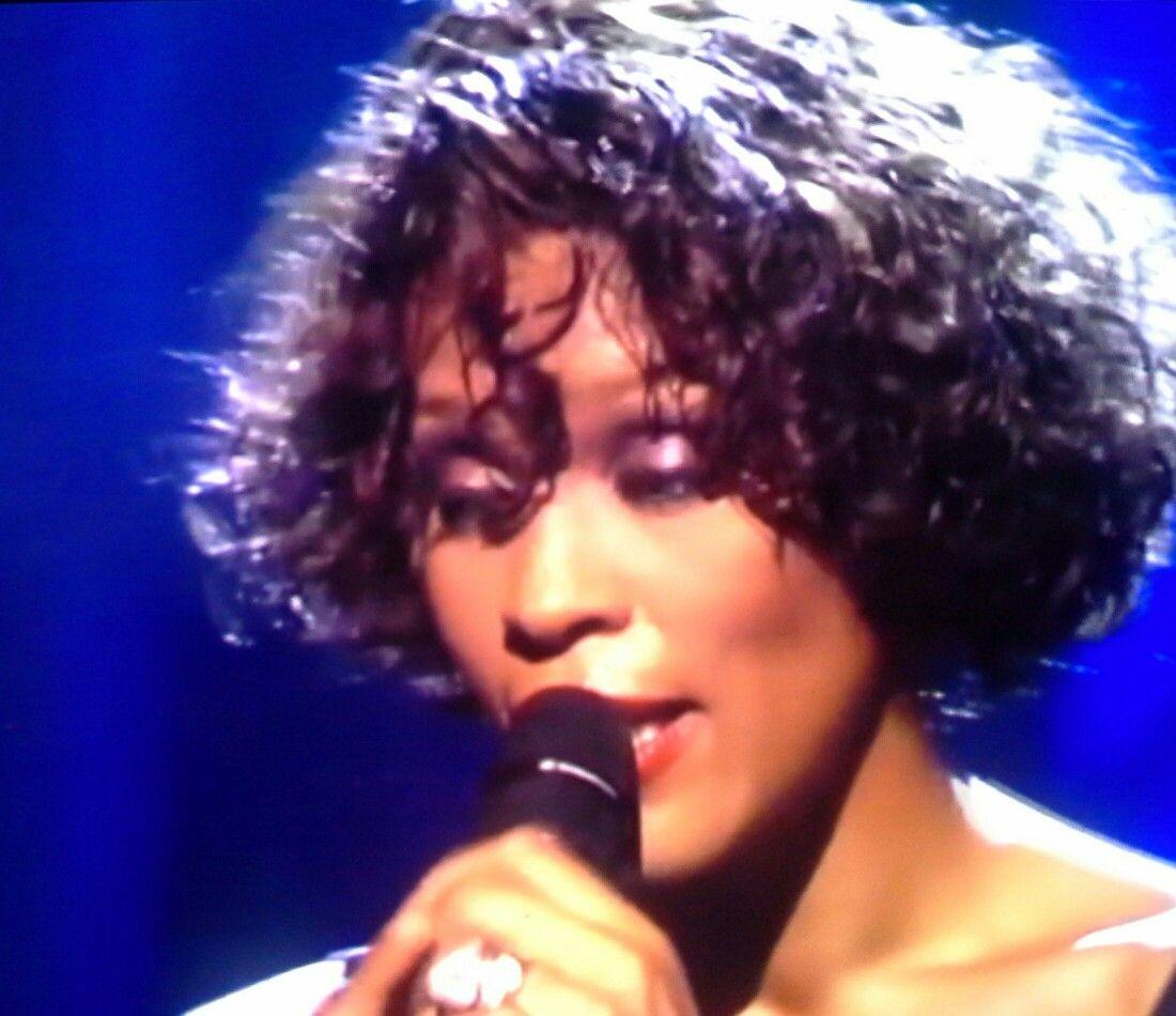 Whitney Houston Women In Music Whitney Houston Short Hair Styles