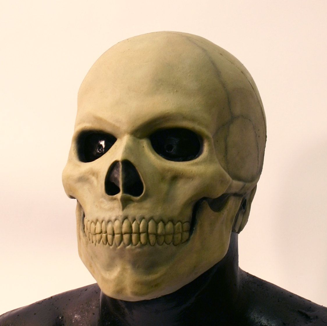 Skull latex mask by DragonArmoury on Etsy. $25.95, via Etsy ...