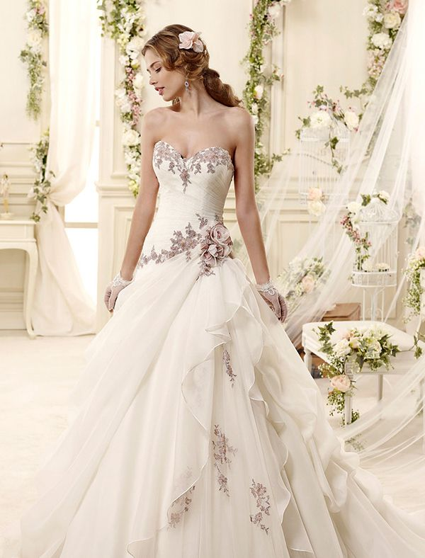 Color On White 20 Beautiful White Wedding Dresses With A Touch Of Color Praise Wedding Wedding Dresses Unique Colored Wedding Dresses 2015 Wedding Dresses