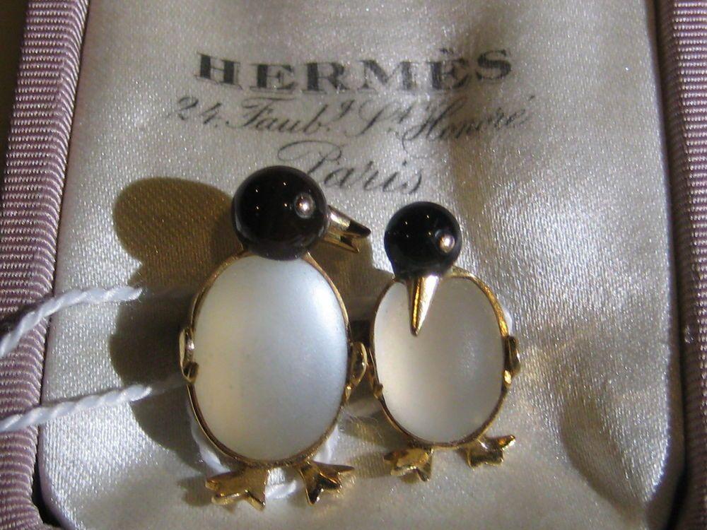 VINTAGE HERMES PENGUINS 18KT YELLOW GOLD MOONSTONE BLACK ONYX PIN BROOCH