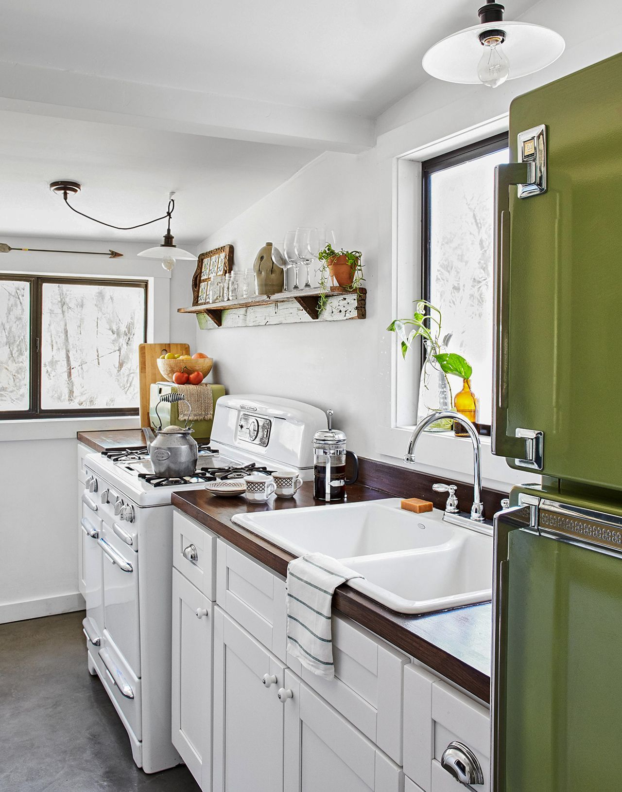 25 Winning Kitchen Color Schemes For A Look You Ll Love Forever In 2020 Kitchen Colour Schemes Green Kitchen Cabinets Black Kitchen Decor