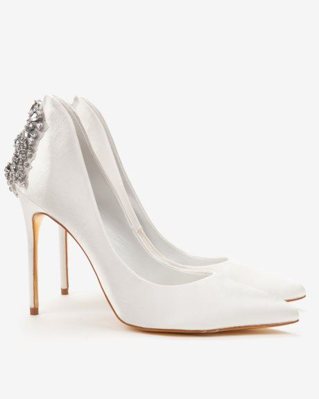 0278d9d1fe30 Embellished court shoes - Ivory