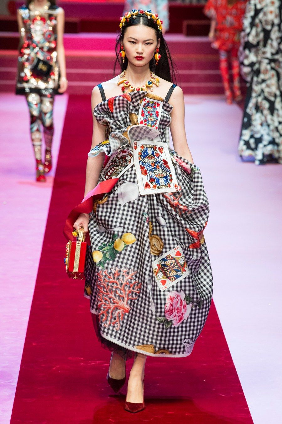 Dolce & Gabbana Spring 2018 Ready to Wear Fashion Show