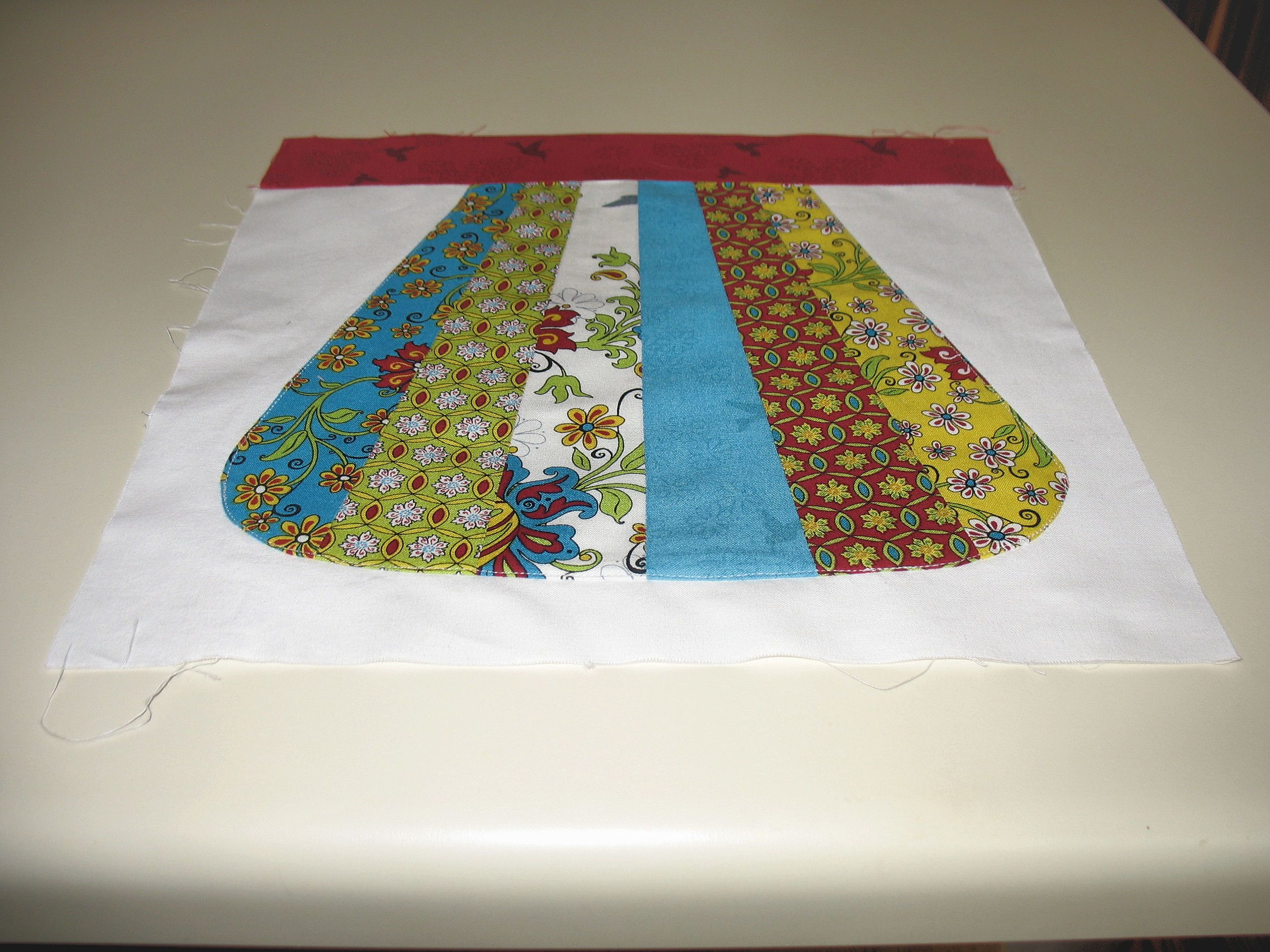 """A traditional block pattern called """"My Mother's Apron.""""  This pattern was first published in the Kansas City Star.  Pieced by Pam Wilson in June 2014."""