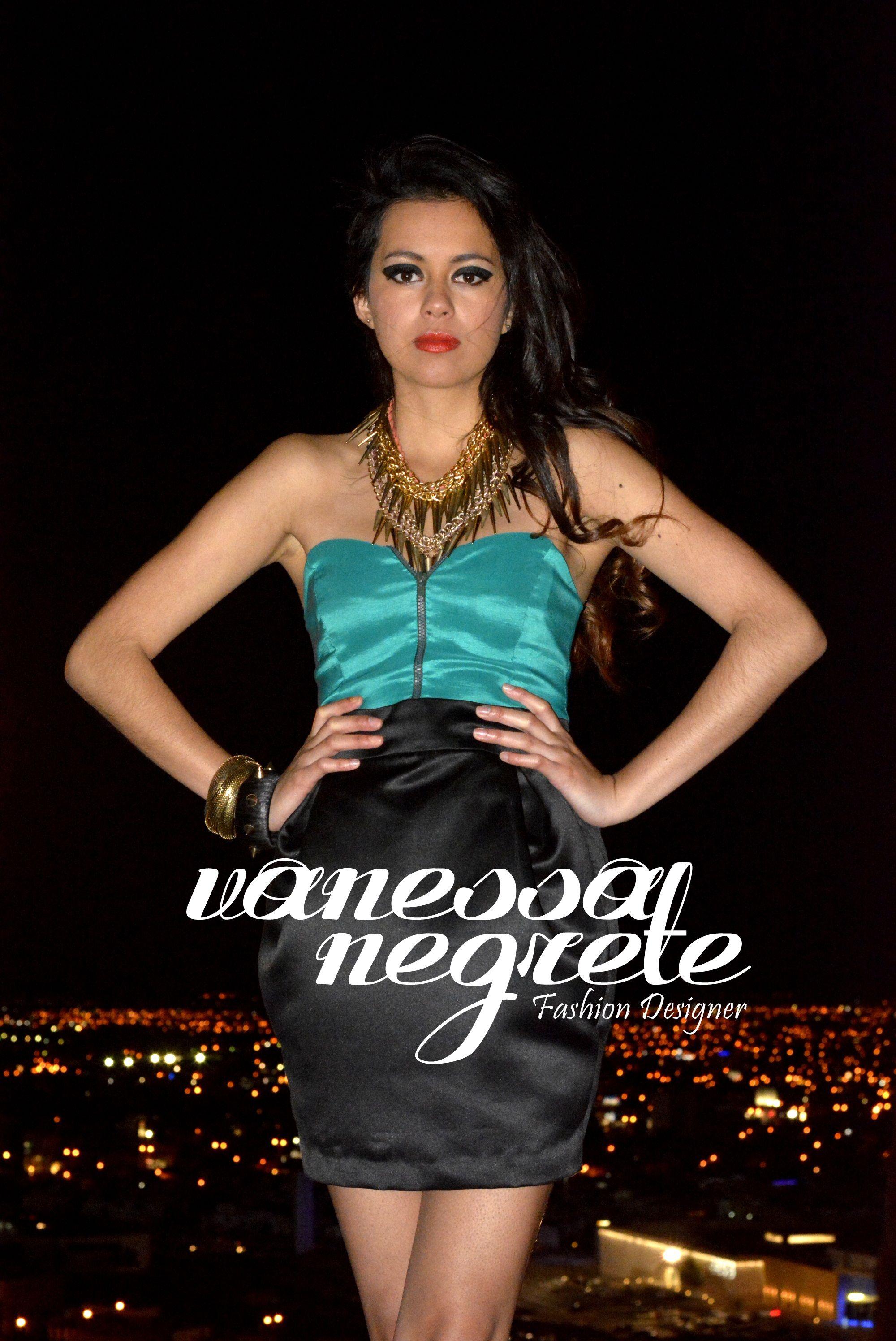 Outfit diseñado y elaborado por mi. Falda negra de razo entubada con  pliegues en los f9b01765f61d