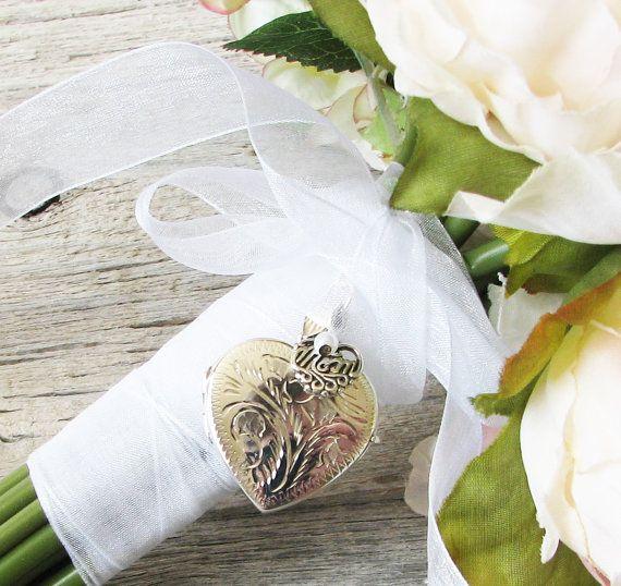 In Memory Of Mom Mom Brides Wedding Bouquet Locket Wedding