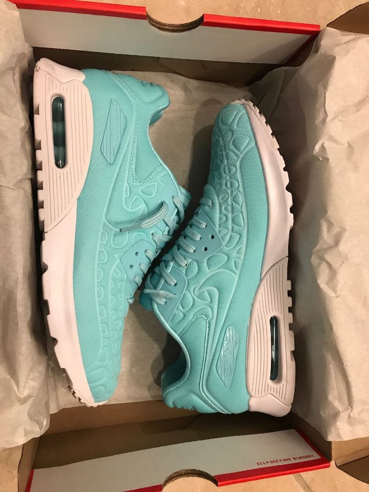 pretty nice b1f0d 3e7f8 Women s Nike Air Max 90 Ultra Running Shoes Plush Copa White Size 10  844886-400   eBay