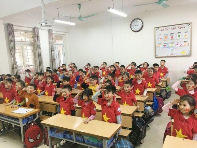 Áo cờ Việt Nam trường tiểu học Khánh Hà - Hình 2