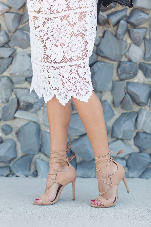 f3e4142e3a62 how to wear white lace dress