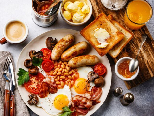 Can We Guess If You're American Or English By The Way You Order Breakfast?  | Fried breakfast, Healthy recipes easy snacks, Healthy snacks easy
