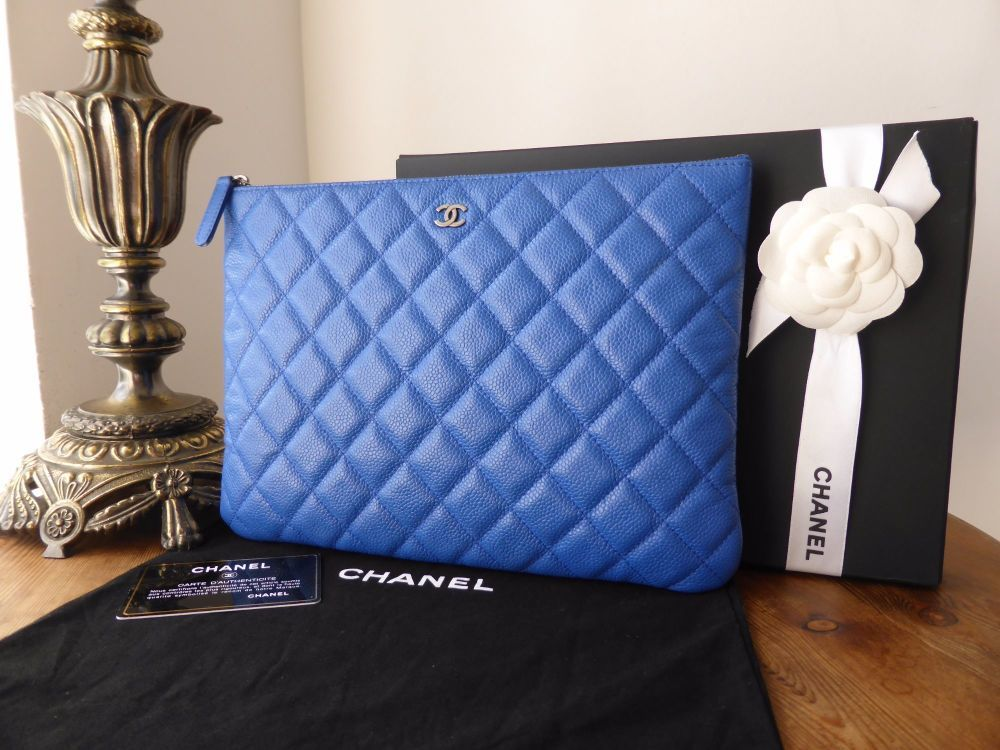 e5f106bb4074 A fabulously practical and beautifully vibrant Chanel quilted zip pouch,  ideal for tech or just a pretty clutch. Caviar ...