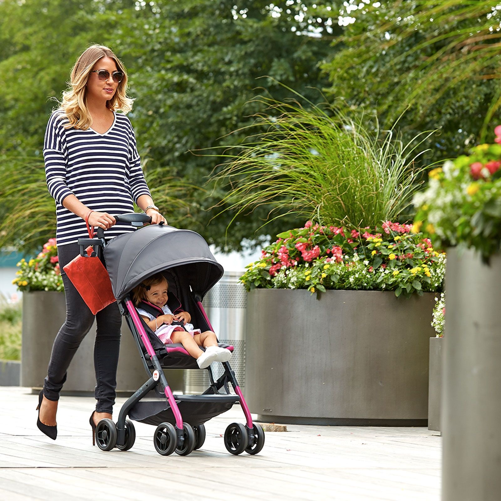 GB Qbit Stroller. Compact fold making it perfect to