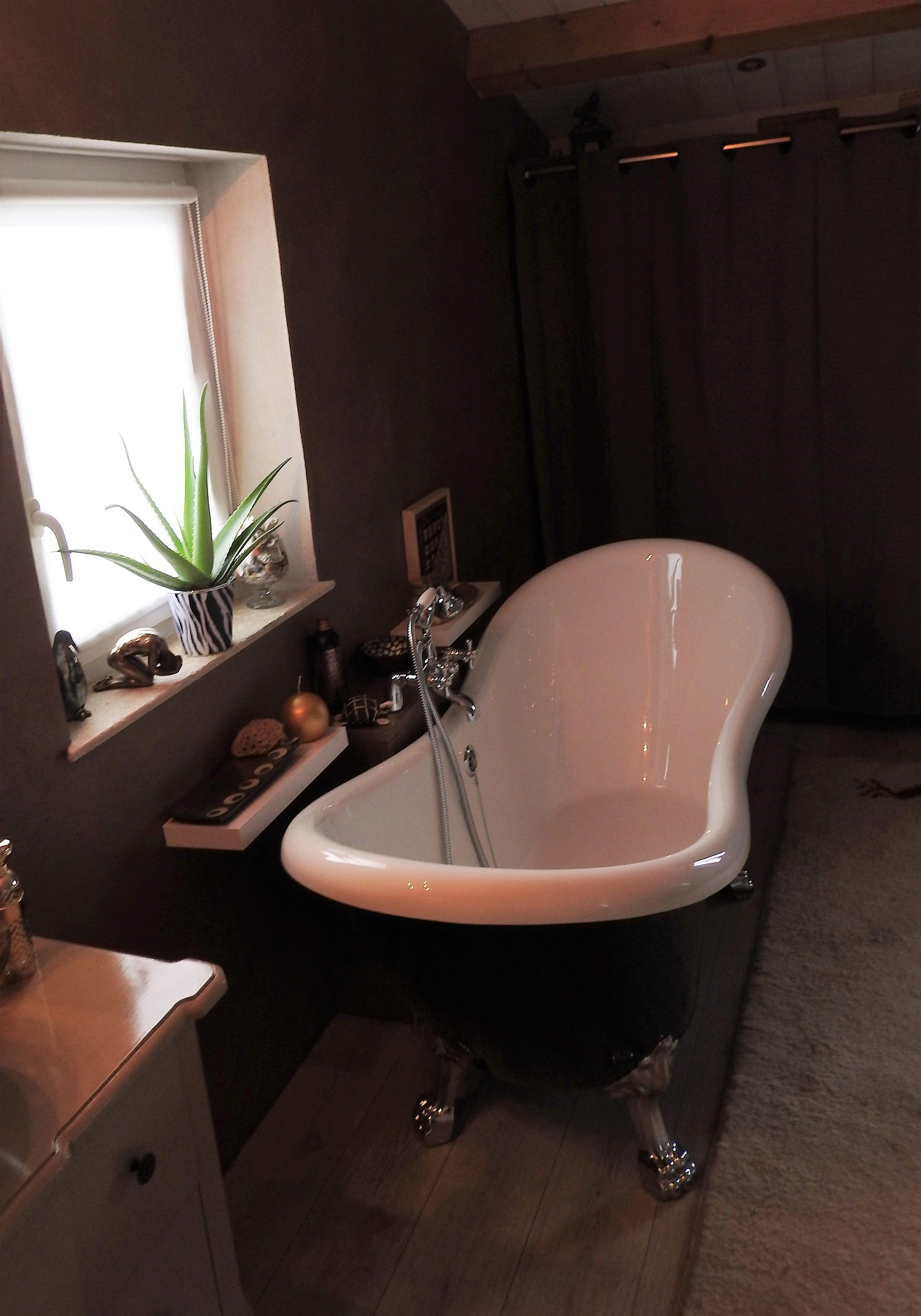 baignoire lot r tro darlington 175 noire avec pattes de. Black Bedroom Furniture Sets. Home Design Ideas