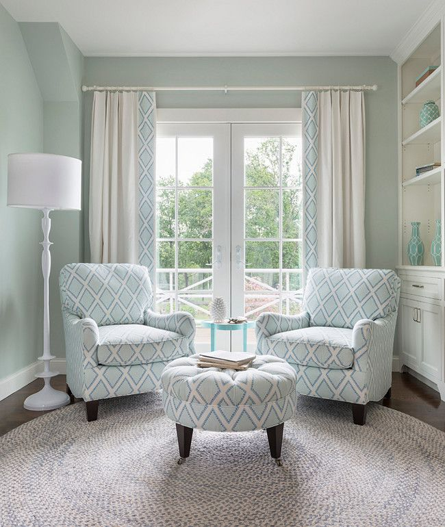 6 amazing bedroom chairs for small spaces chambray for Small reading room design ideas