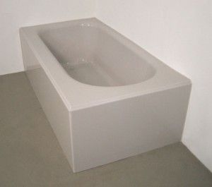 Two Wall Tub