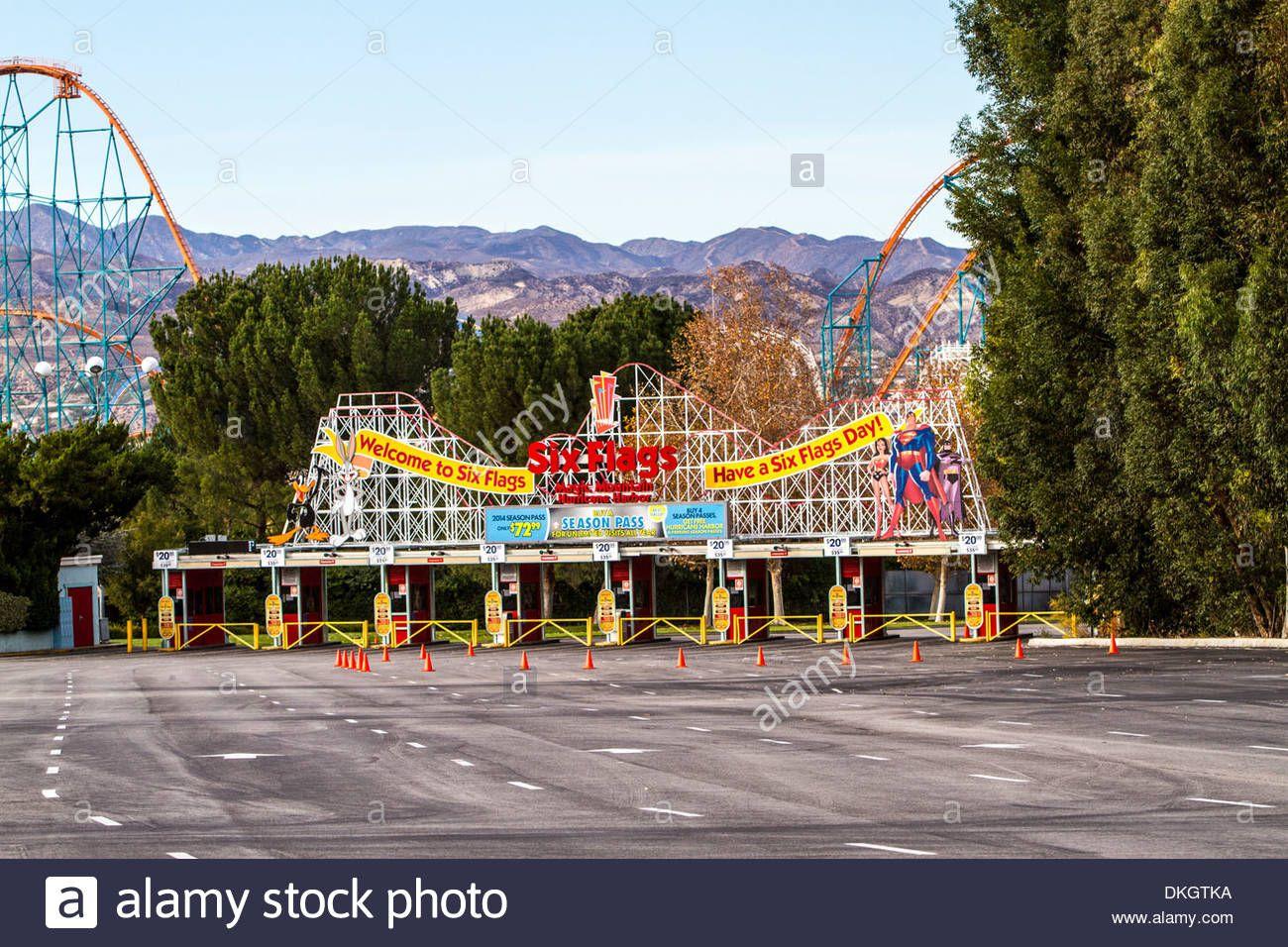 The Entrance To Six Flags Magic Mountain In Valencia California Stock Photo Valencia California Photo Six Flags