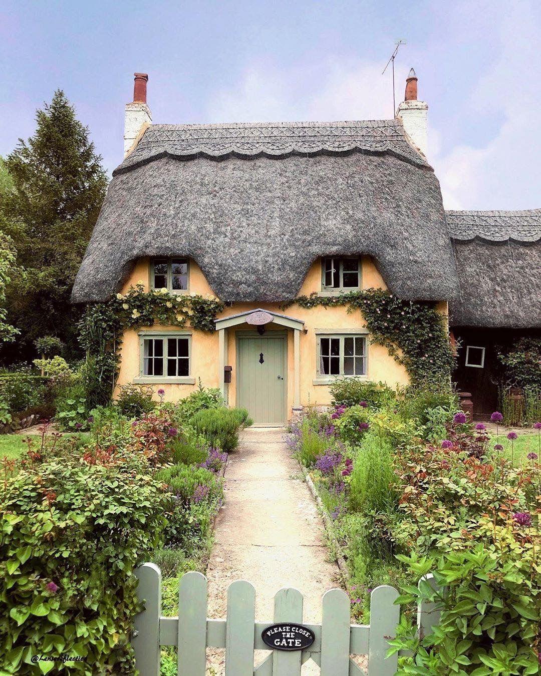 Honington, Warwickshire, England.