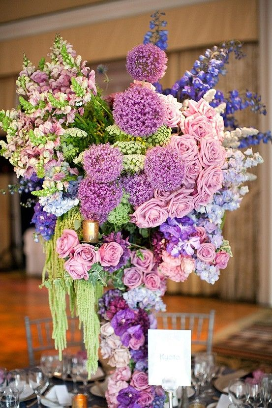 This centerpiece is just overflowing color palette