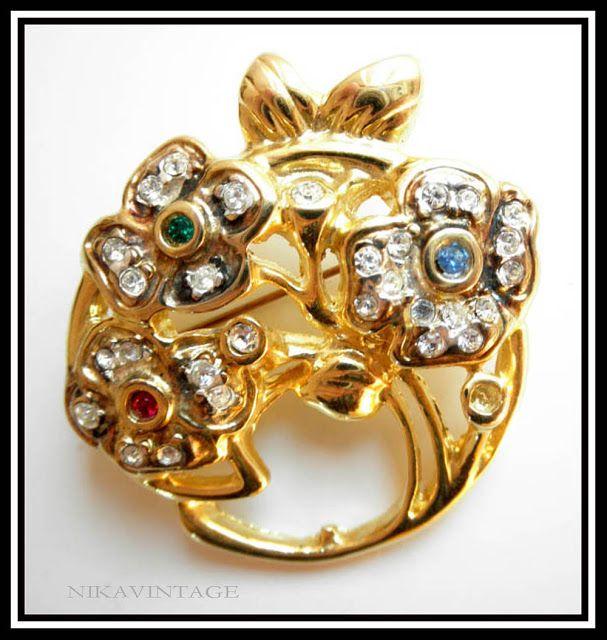 Los Mundos de Nika Vintage: Broches Vintage.  http://nikavintage.blogspot.com.es/2011/08/broches-vintage.html