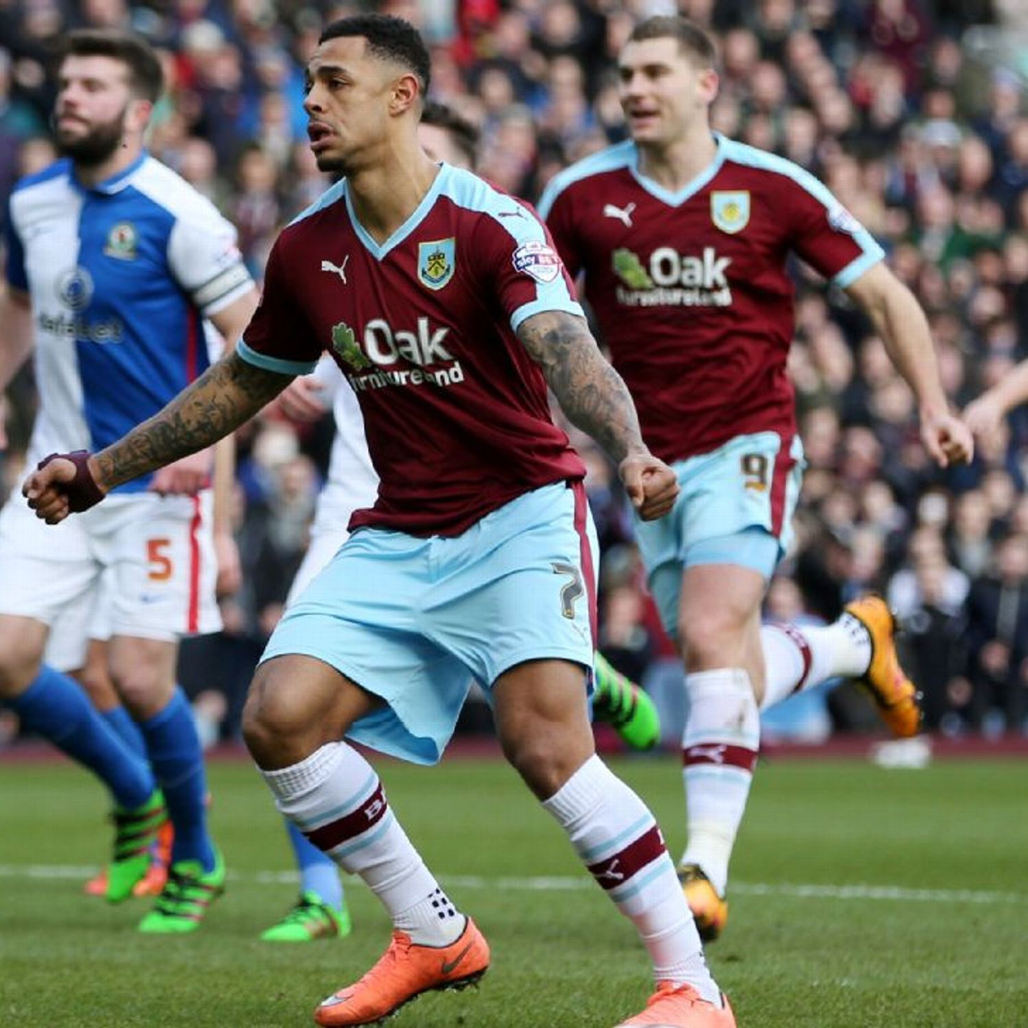Andre Gray Could Be Next Vardy If Pre Season Form Carries Into New Season Burnley Sports Soccer Team
