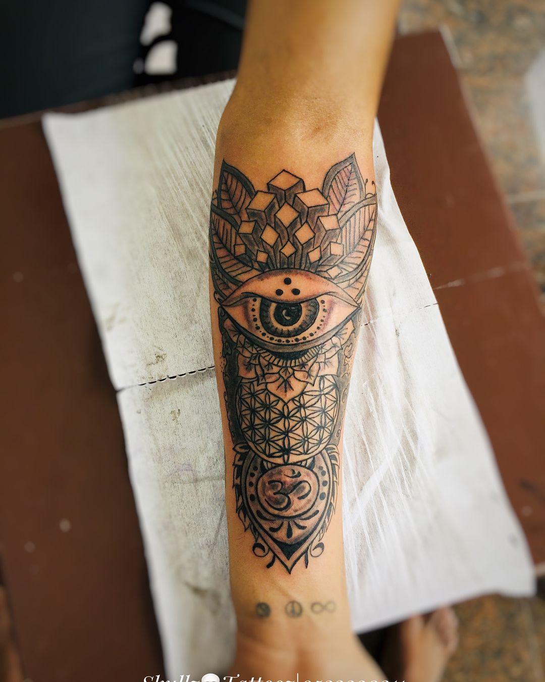 Mandala tattoo done at skullz tattooz using cheyenne